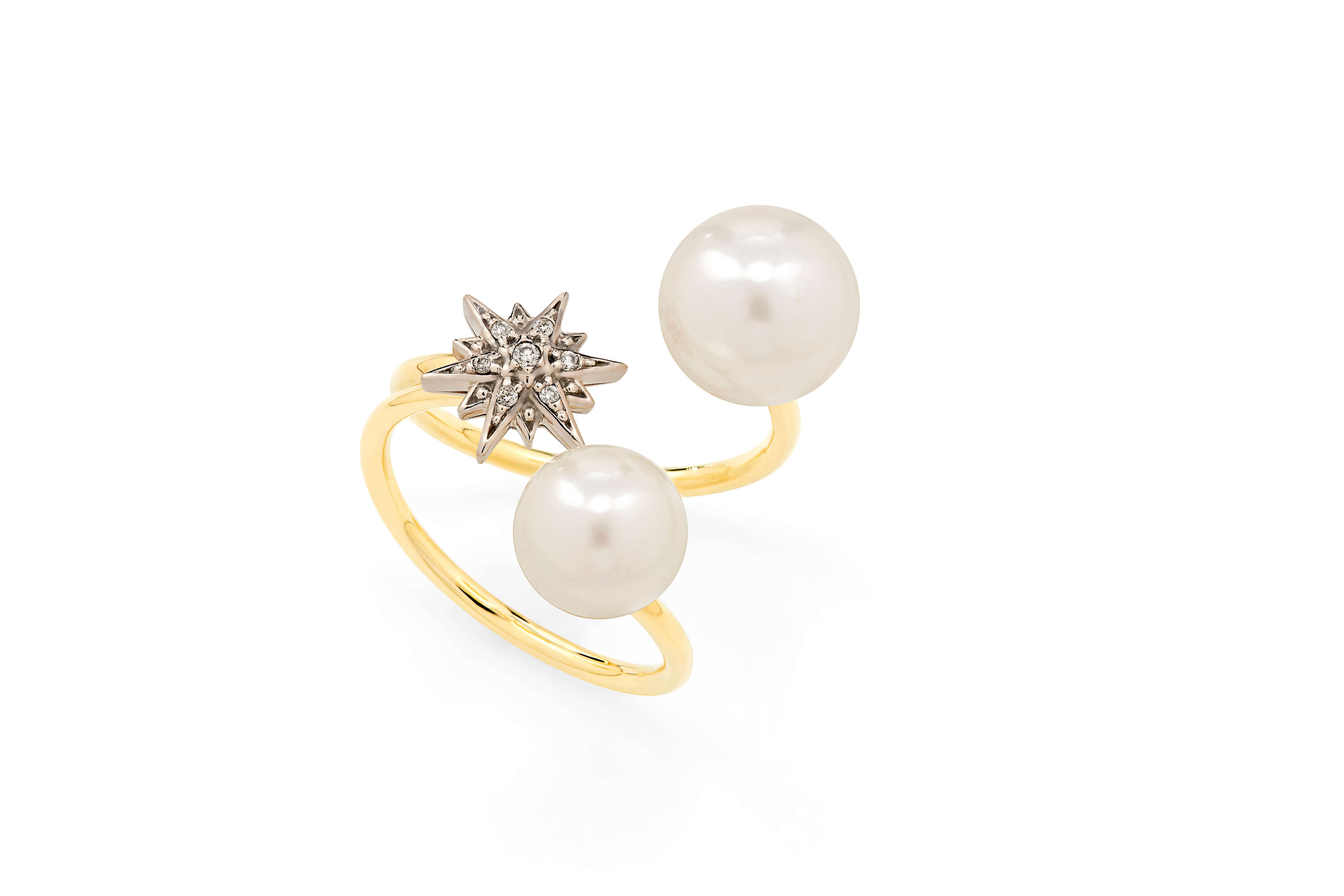 Pearls_of_Genesis_H.Stern_-_ring_in_18K_gold,_pearls_and_diamonds_(A2P_205194)