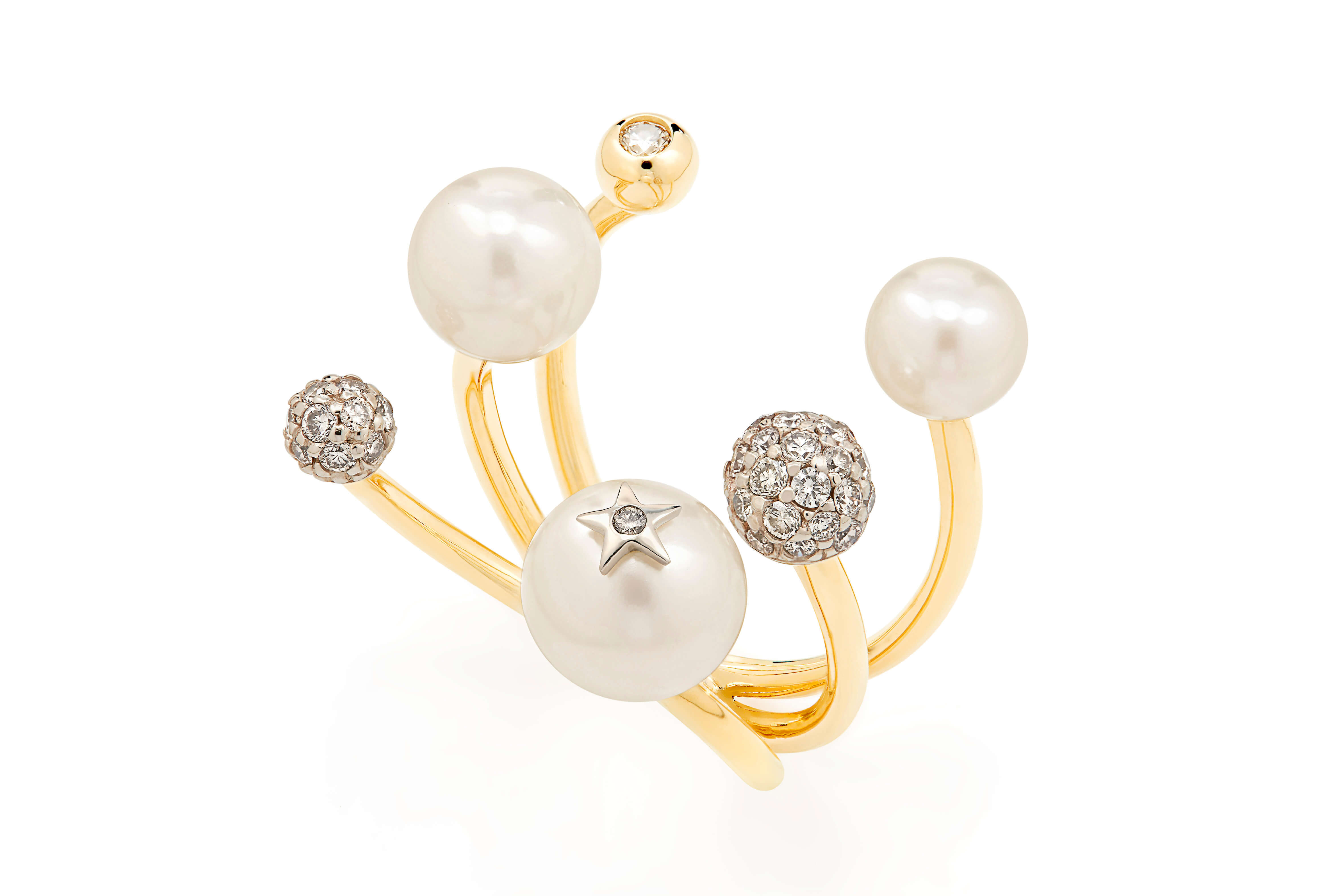 Pearls_of_Genesis_H.Stern_-_ring_in_18K_gold,_pearls_and_diamonds_(A2P_205199)