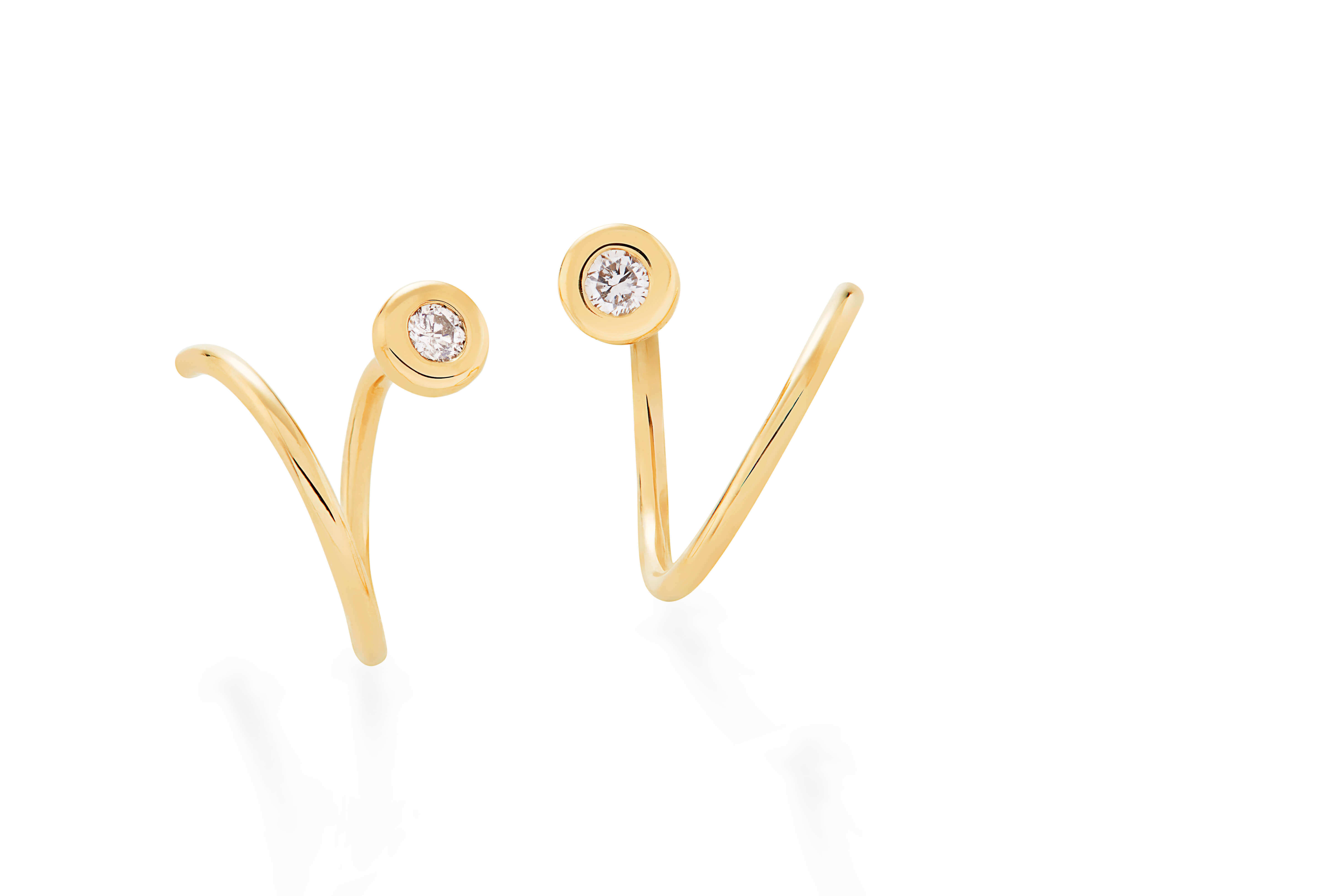 MyCollection_H.Stern_-_earrings_in_18K_yellow_gold_with_diamonds_accents_(B2B_209478)